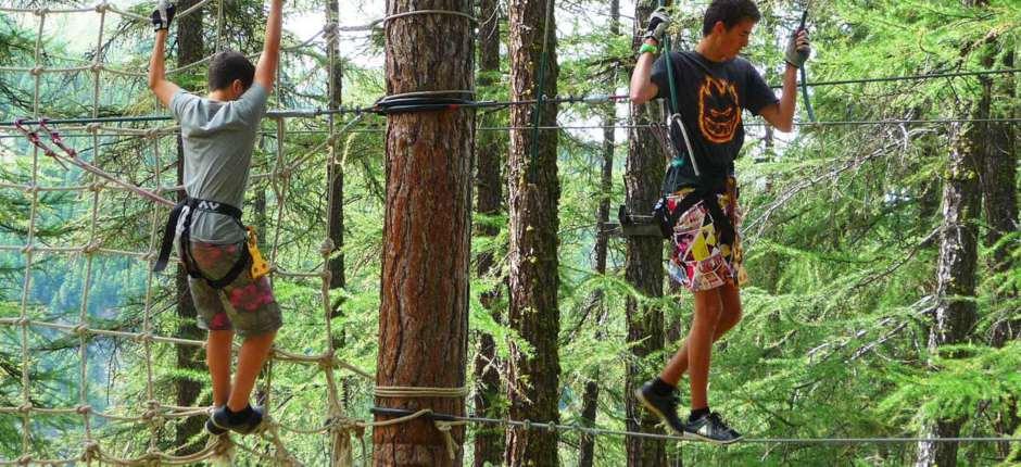 Parc aventure ou parc accrobranche et acrobatique du queyras - activités sportives, loisirs pour adultes et enfants tel 06 17 72 70 30